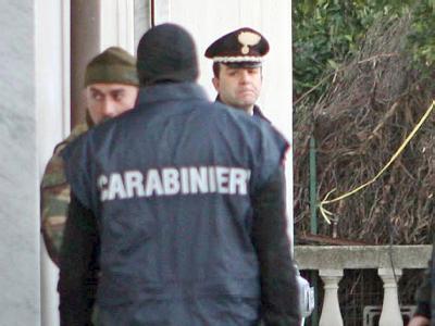 Italienische Polizei im Einsatz: Die Carabinieri haben unter anderem Luxusautos beschlagnahmt und Immobilien versiegelt Foto: Franco Cufari/Symbolbild