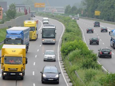 Lkw-Maut auf Bundesstra�en