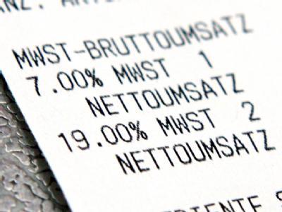 Auf einem Kassenbon sind die Mehrwertsteuersätze von 7 und 19 Prozent zu sehen. (Symbolbild)