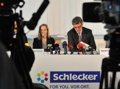Unternehmerin Meike Schlecker und Insolvenzverwalter Arndt Geiwitz. Foto: Stefan Puchner