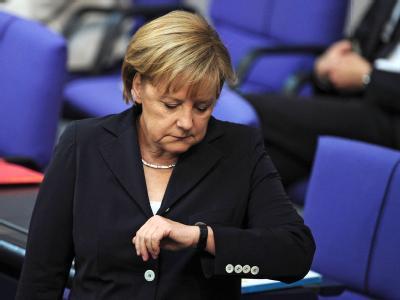 Kanzlerin Merkel (CDU) kommt in Berlin zur Generaldebatte.