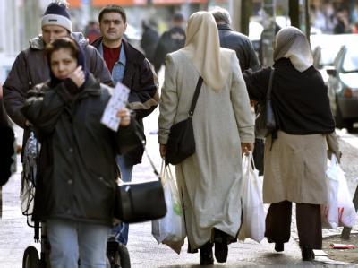 Die Türkische Gemeinde in Deutschland fordert angesichts der Debatte um das Zusammenleben mit Migranten eine «Integrations-Agenda» 2010. (Archivbild).
