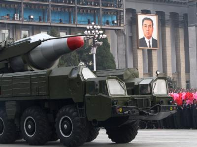 Nordkorea zeigt bei einer Militärparade seine Raketen. (Archivbild vom 10.10.2010)