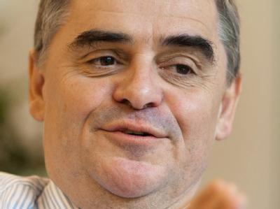 Saarlands Ministerpr�sident Peter M�ller