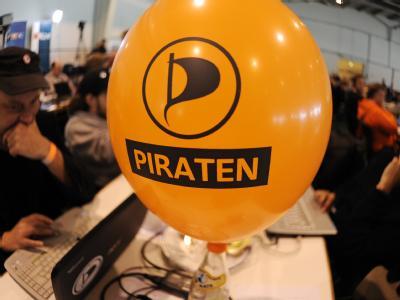 Der wochenlange Höhenflug der Piratenpartei ist einer Umfrage zufolge vorerst vorbei. Foto: Angelika Warmuth