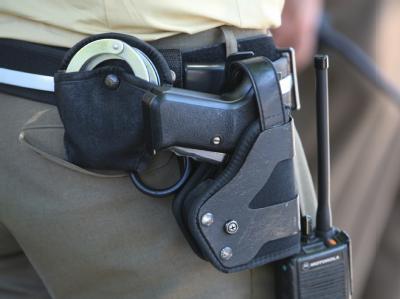 Bundespolizisten müssen nur selten zur Waffe greifen. Foto: K. Hildenbrand/Archiv