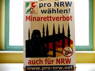 Ein Mordaufruf eines islamistischen Terror-Propagandisten gegen Mitglieder der rechtsextremen Splitterpartei Pro NRW und Journalisten beschäftigt die Sicherheitsbehörden. Foto: Roland Weihrauch/Archiv