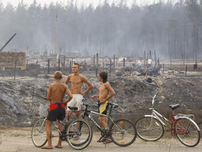 In der Ortschaft  Mokhovoye, 170 Kilometer von Moskau entfernt, .starben mehrere Menschen in den Flammen.