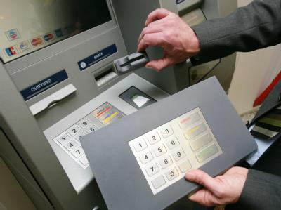 Manipulierte Geldautomaten