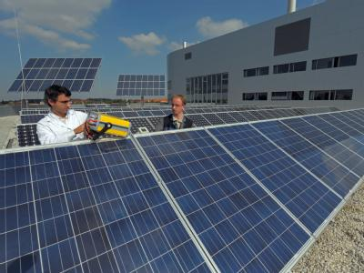 Prüfstand auf dem Dach des SolarWorld-Forschungszentrums.