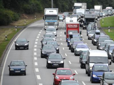 Der Urlaubsverkehr verstopft die Autobahnen. Archivfoto: Marcus Brandt