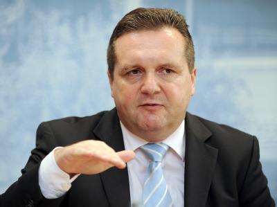Mappus schließt die Nachfolge von Koch als CDU-Bundesvize aus. (Archivbild)