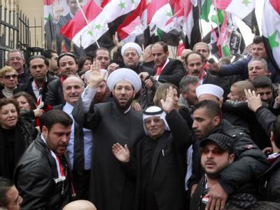 Massen-Gebet für die Todesopfer in Syrien: Nach UN-Schätzungen sollen seit Beginn des Aufstands Tausende getötet worden sein. Foto: Youssef Badawi/Archiv