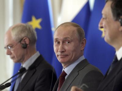 Kremlchef Putin mit EU-Kommissionschef Barroso (r) und Ratspräsident Van Rompuy (l) Foto: dpa