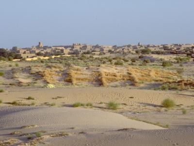 Die Wüstenstadt Timbuktu gehört zum Weltkulturerbe - jetzt zerstören militante Islamisten historische Anlagen. Foto: Evan Schneider/UN/ Archiv