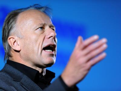 Jürgen Trittin wirft der Bundeskanzlerin einen Schlingerkurs vor.