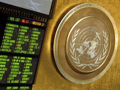 Das Ergebnis einer Abstimmung über eine Resolution gegen Syrien im UN-Hauptquartier. Foto: Justin Lane / Archiv