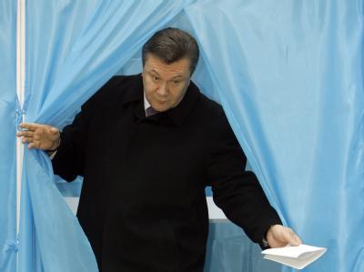 Oppositionsführer Viktor Janukowitsch bei der Wahl in der Ukraine.