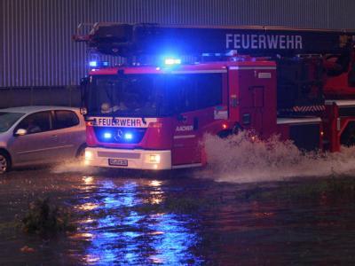 Ein heftiges Unwetter hat am Donnerstagabend über großen Teilen Nordrhein-Westfalens gewütet, wie hier in Aachen.