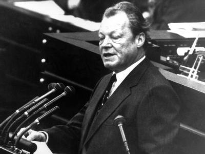 Legendärer SPD-Vorsitzender und Bundeskanzler: Willy Brandt stellt am 20.09.1972 vor dem Bonner Bundestag die Vertrauensfrage.