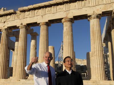 Chinas Regierungschef Wen Jiabao und Ministerpräsident George Papandreou besuchen den Parthenon auf der Athener Akropolis.