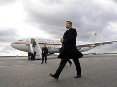 Bundesaußenminister Guido Westerwelle hat sich vor seinem Antrittsbesuch in Israel für eine gerechte Zwei-Staaten-Lösung ausgesprochen.
