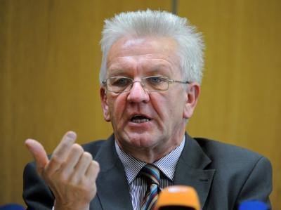 Der Fraktionsvorsitzende der baden-württembergischen Grünen, Winfried Kretschmann, sieht beim Streit um Stuttgart 21 keinen Mittelweg.