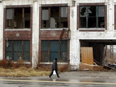 Verfallene Packard-Fabrik in Detroit: Nicht nur in der einstigen US-Autometropole herrscht verbreitet Armut (Archiv).