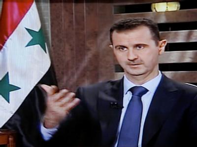 Soll seine Machtbefugnisse an Vizepräsident Faruk al-Scharaa übergeben: Syriens Präsident Baschar al-Assad. Foto: Syrian TV/Archiv