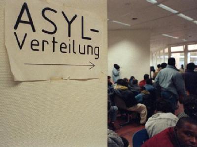 Asylbewerber in einer Ausländerbehörde (Archivfoto).