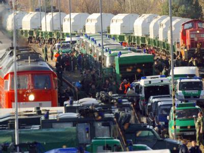 Atomkraftgegner stellen der künftigen Bundesregierung eine massive Protestwelle in Aussicht (Archivbild)