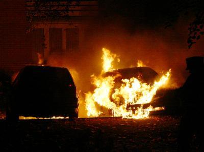 Seit Jahresbeginn wurden in Berlin mehr als 550 Autos durch Brandanschläge beschädigt (Archivbild).