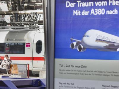 Die Bahn sieht für sich keine Probleme durch die spätere Eröffnung des Hauptstadtflughafens. Foto: Frank Rumpenhorst/Archiv