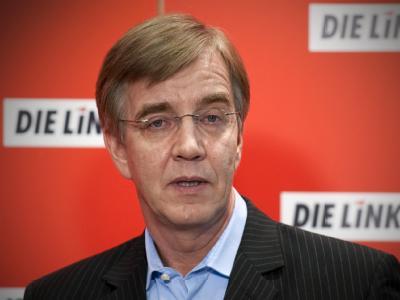 Neben Parteichefin Gesine Lötzsch hat Vize-Fraktionschef Dietmar Bartsch erklärt, für den Parteivorsitz antreten zu wollen. Foto: Robert Schlesinger/Archiv