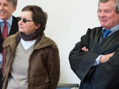 Die frühere RAF-Terroristin Verena Becker steht in Stuttgart vor Gericht (Archivbild).