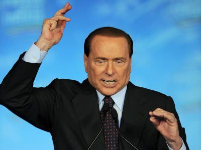 Italiens Regierungschef Silvio Berlusconi will ein umstrittenes Sparpaket durchdrücken. (Archivbild)