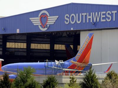 Neben Southwest müssen auch andere Fluglinien ihre Boeings 737 überprüfen.