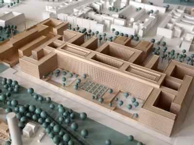 Modell der neuen BND-Zentrale: Der Neubau soll ab 2014 bezugsfertig sein und 730 Millionen Euro kosten. Die Nachrichtenzentrale wird auf dem Grundstück des früheren Stadions der Weltjugend im Bezirk Mitte errichtet.