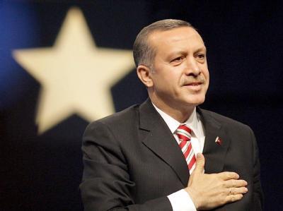 Der türkische Ministerpräsident Recep Tayyip Erdogan verstärkt den Druck auf Syrien weiter.