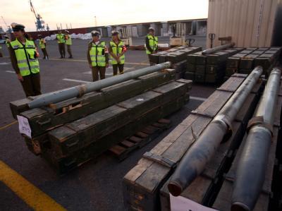 Waffen im Hafen von Aschdod