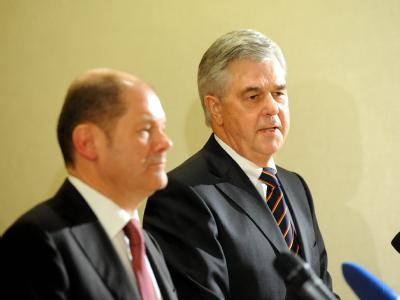 Olaf Scholz will den ehemaligen Handelskammer-Präses Frank Horch (r) zum Wirtschaftssenator berufen.