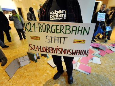 Mit dem Schlichterspruch ist noch längst kein Frieden beim umstrittenen Bauprojekt Stuttgart 21 eingekehrt.