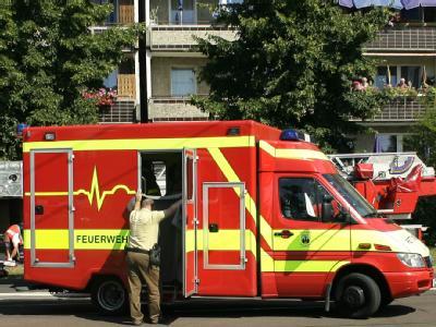 Unglücksort in Magdeburg. Die Staatsanwaltschaft ermittelt nach dem Wohnungsbrand gegen den Familienvater.