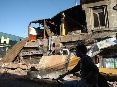 Zerstörte Häuser in Concepción. In der Stadt ist es zu ersten Plünderungen gekommen.