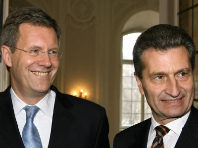 Die Regierungschef von Niedersachsen und Baden-Württemberg, Christian Wulff und Günther Oettinger, halten nichts von den angestrebten Steuersenkungen.