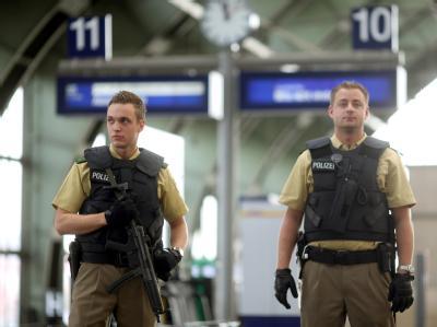 Vor dem Tag der Deutschen Einheit sind die Sicherheitsvorkehrungen verschärft worden.