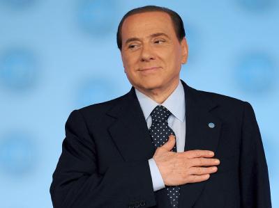 Noch ist keine Entscheidung über die Rechtmäßigkeit der uneingeschränkten Immunität von Italiens Ministerpräsident Berlusconi gefallen.