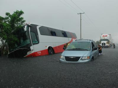 Überschwemmungen durch Wirbelsturm «Ida» im Süden Mexikos. In El Salvador starben bei heftigem Regen mindestens 90 Menschen.