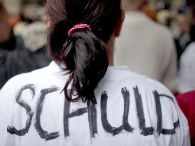 Die Menschen in Duisburg verlangen Konsequenzen nach der Katastrophe. Und für die meisten ist der Hauptschuldige OB Sauerland.