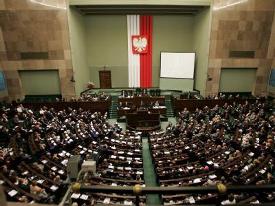 Nach dem polnischen Parlament (Bild) hat jetzt auch der der Senat einem Gesetz zugestimmt, nach dem eine chemische Zwangsbehandlung für Kinderschänder nach dem Abbüßen ihrer Haftstrafe obligatorisch wird.